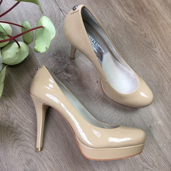 MICHAEL KORS Cream Beige Leather Platform Heels 7